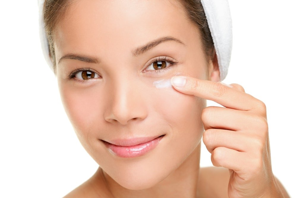 use the right skincare products to treat acne